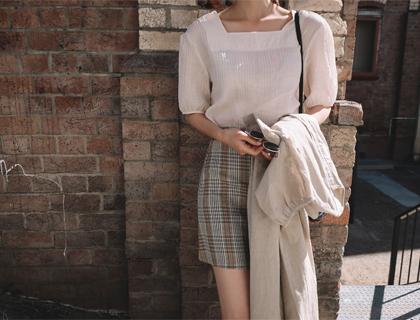 Square-v neck blouse
