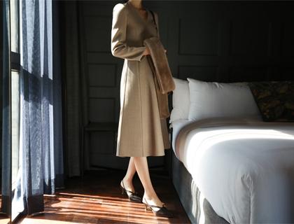 Amber hand dress