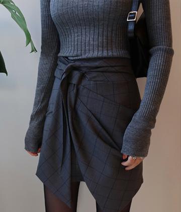 Check-tie skirt