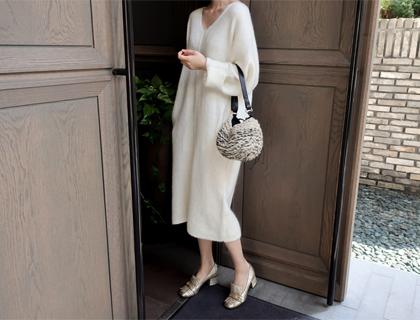 V-long knit dress