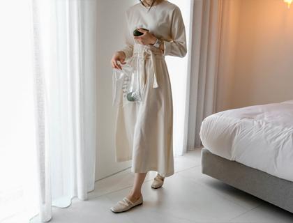 Pure belt dress