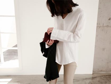 Novella-v shirt