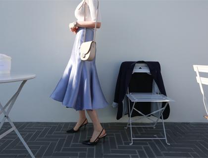 Bell-line perl skirt