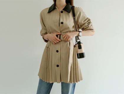 Leather pleats jacket
