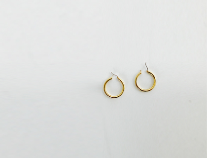 Gold ring earring