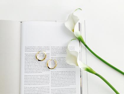 Boe gold earring
