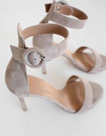 6253 sandal heel ♩