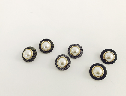jinju-button earring