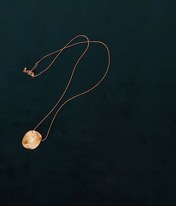 Ugly round necklace