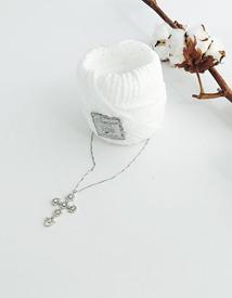Cubic cross necklace