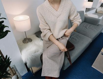 Goorm v-neck knit