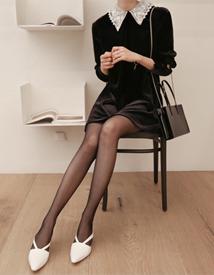 Lacecollar velvet dress