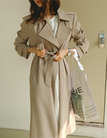 Essentic trench coat