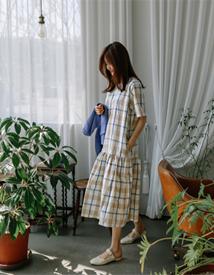 Check linen dress