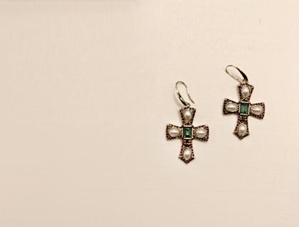 Emerald cross earring