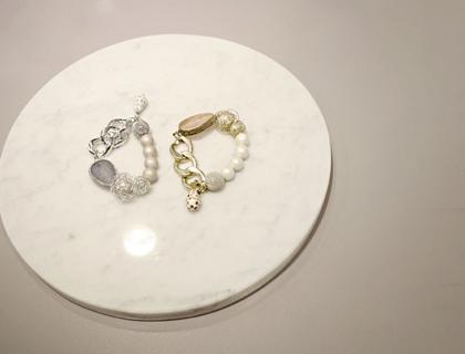 Nacre pearl bangle