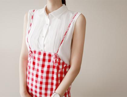 Pintuck jinju-button blouse