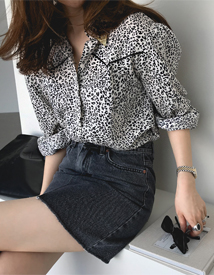 Holy leopard blouse