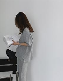 Max v-neck knit