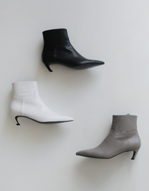 Slash ankle boots ♩