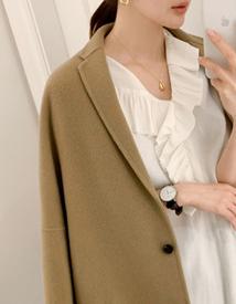 Single shell necklace