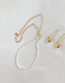Longish jinju necklace