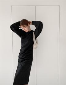 Feminine shirring dress