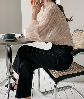 Noble lace blouse