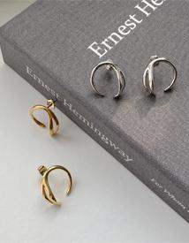 Curve earring