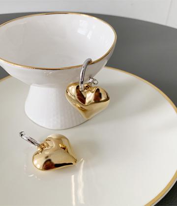 Tongtong heart earring