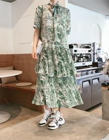 Scarf pleats dress