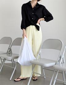 Silky pleats pants