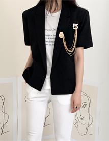 Cosy broach jacket