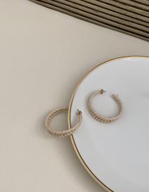 Round rattan earring