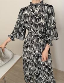 Smocking pattern dress