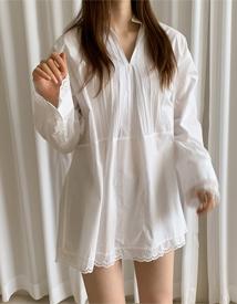Paco lace blouse