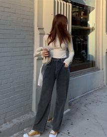 Pocket dark denim pants