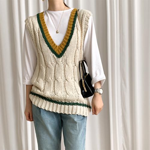 Classic knit vest