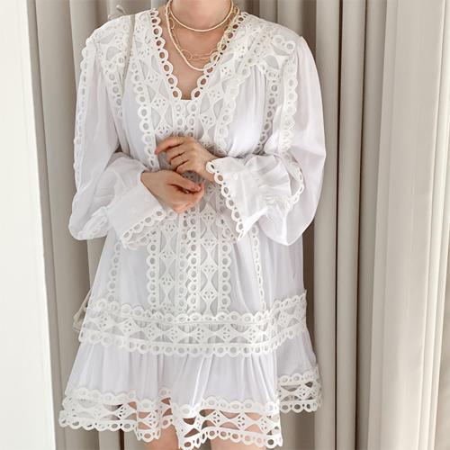 Lace motive flare dress