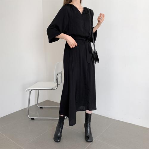 V-belt long dress