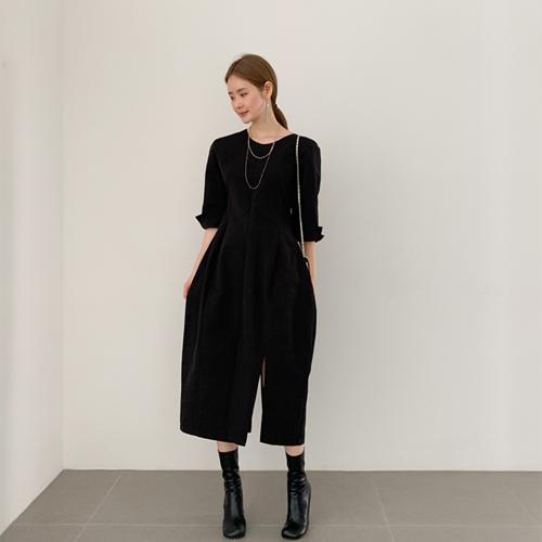 Volume slit dress
