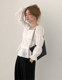 Girlish square neck blouse