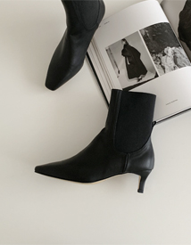 TT ankle boots ♩