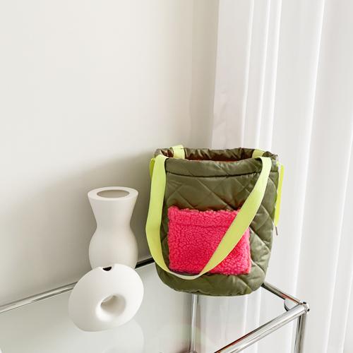 Reversible padding bag
