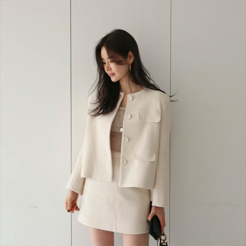 Simple tweed jacket