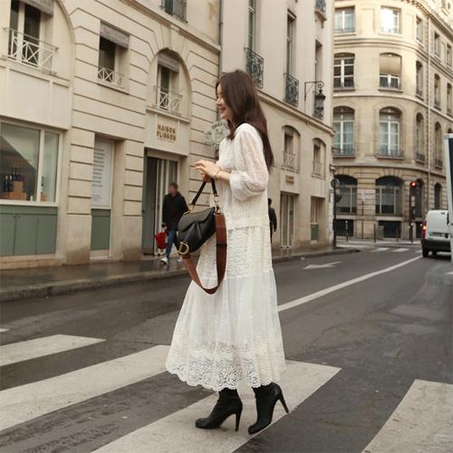 Moly lace dress
