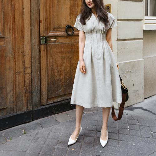 Cheek line dress