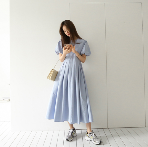 Volume long dress