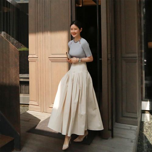 Pin tuck long skirt