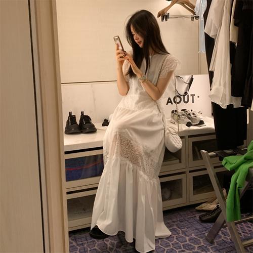 Muas lace dress